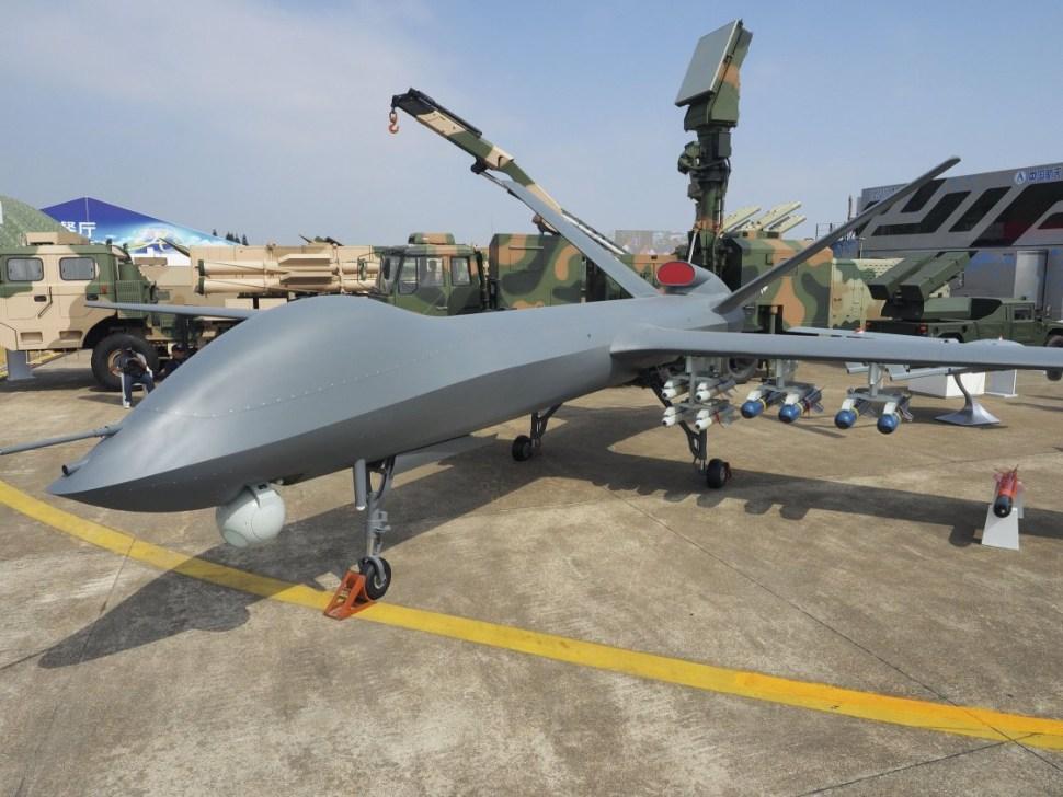 El CH-5 fue presentado por primera vez al público en el China Airshow 2016, donde batió un récord al alcanzar 5 objetivos en un solo ataque (CASC)
