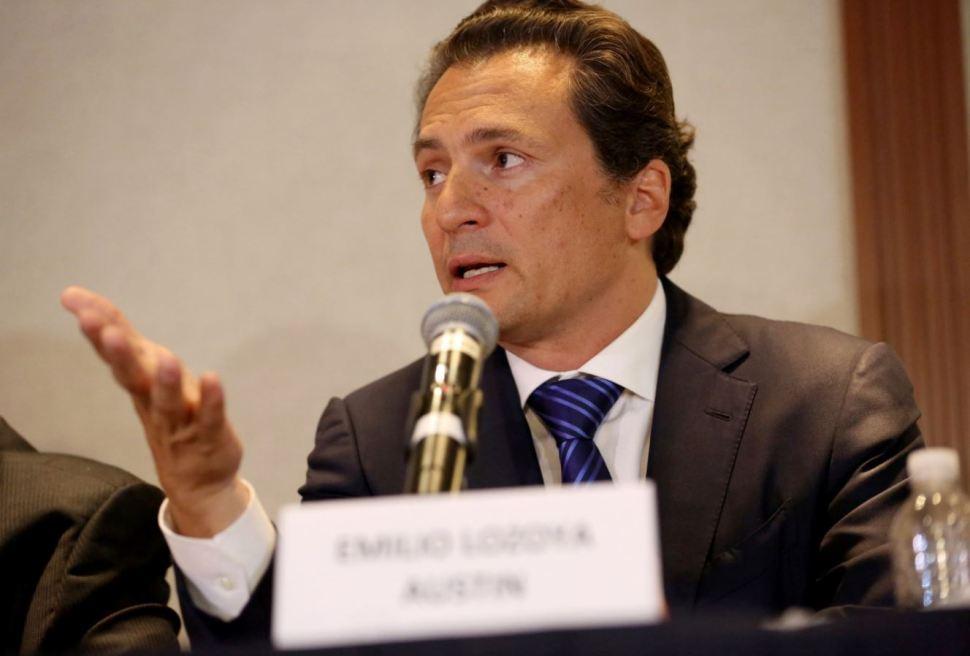 Emilio Lozoya Austin dio una conferencia de prensa en 2017, su última aparición pública en la que negó todas las alegaciones en su contra sobre el caso Odebrecht (AP Images)