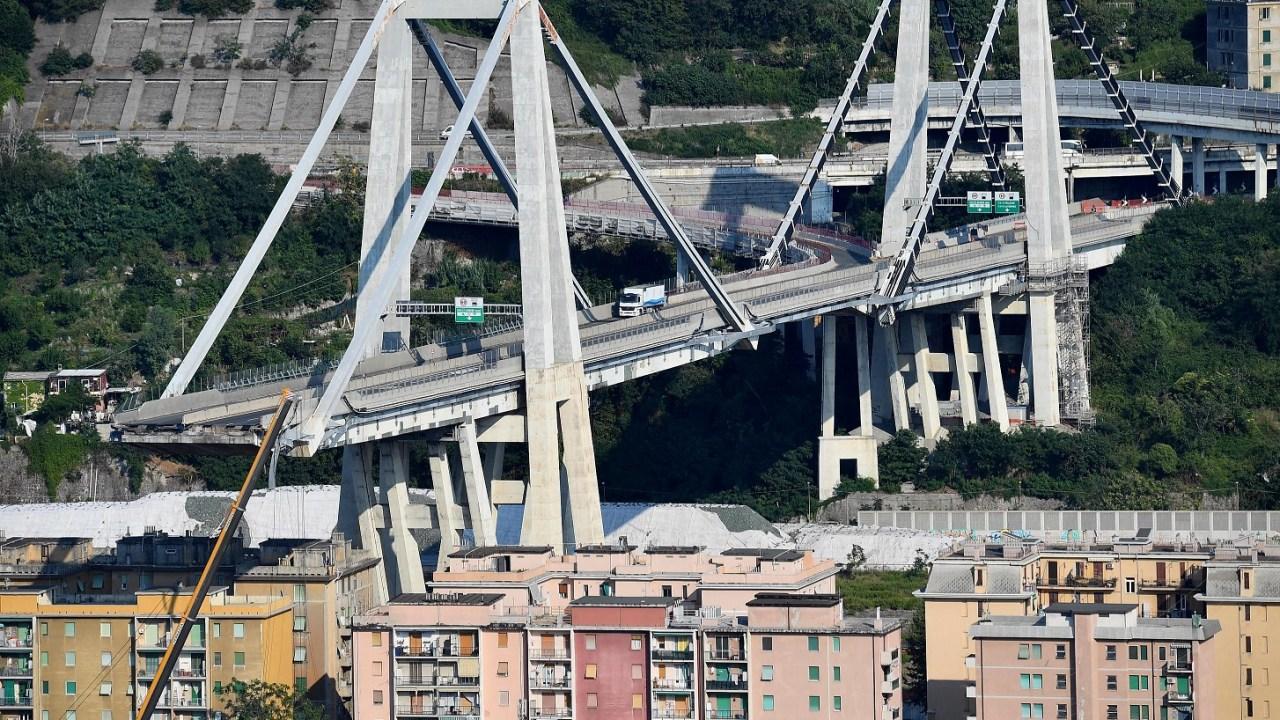 Italia alista demolición de puente colapsado en Génova