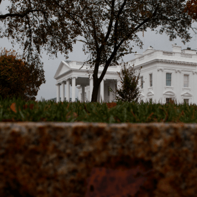 Trump se reúne con equipo político en la Casa Blanca durante elecciones