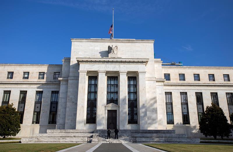 Fed mantiene tasas de interés; economía sigue en buen curso