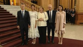 Merkel llega a cumbre G20 en Argentina tras contratiempo