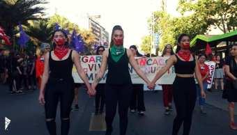 Miles de mujeres chilenas marchan contra violencia machista