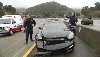 Stephen Curry sale ileso de accidente en Oakland