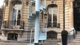 Subastan pedazo de escalera de Torre Eiffel en 169 mil euros