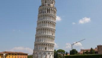 Reducen inclinación de la famosa Torre de Pisa