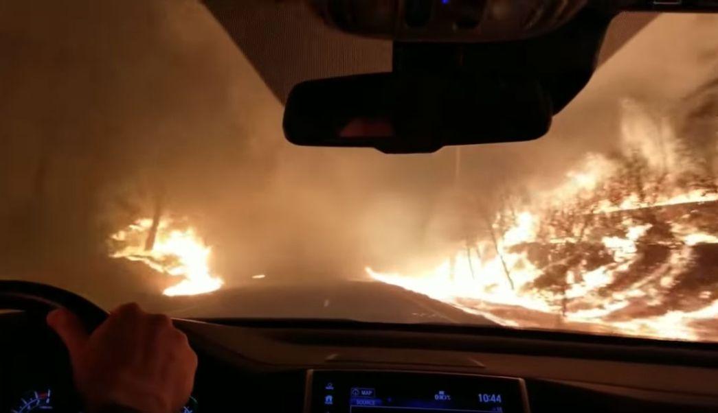 Familia-Escapa-Fuego-Incendio-Forestal-Video-California