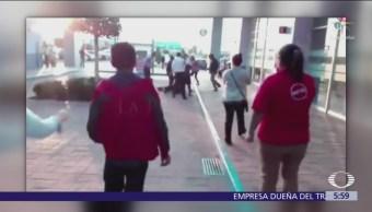 Golpean a delincuente en plaza comercial de Coacalco, Estado de México