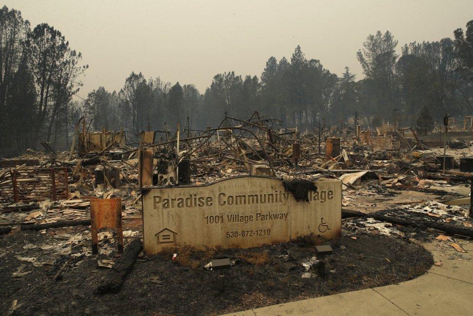 California: Más de 70 muertos y mil desaparecidos en incendio forestal