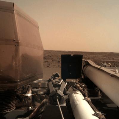 Insight envía primeras fotos de la superficie de Marte