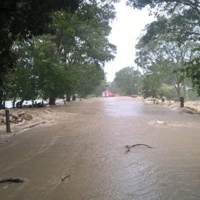 Inundación deja incomunicados a habitantes de Cárdenas, Tabasco