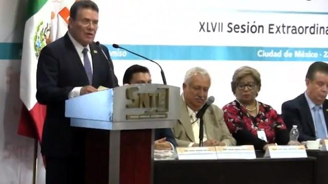 Juan Díaz de la Torre solicita licencia como presidente del SNTE