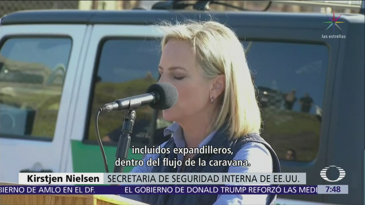 Kirstjen Nielsen visita la frontera entre San Diego y Tijuana