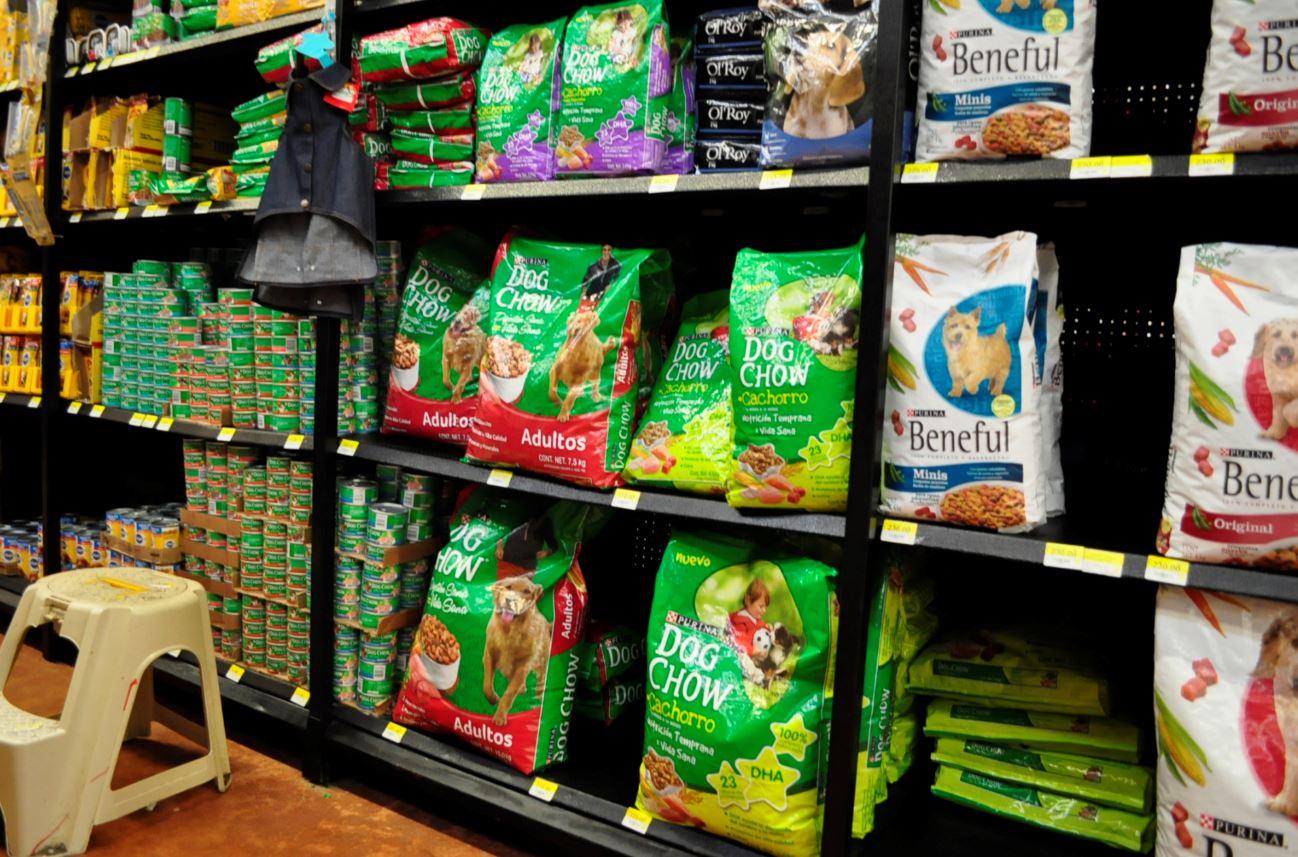 La comida para mascotas no está excenta de IVA, pues no forma parte de la canasta básica para el consumidor mexicano (Expreso Campeche)