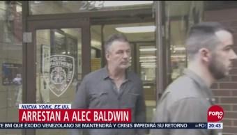 Liberan Alec Baldwin Arrestado Riña Estacionamiento