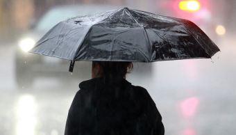 Sistema de baja presión provoca lluvias en Michoacán