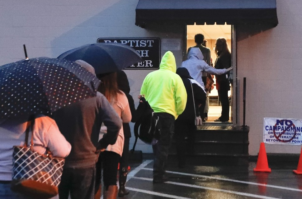 Storms affect the US on mid-day elections