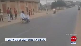 #LoViralDeLaSemana: Hasta se levantó de la silla