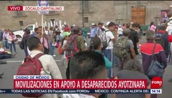 Manifestación por normalistas desaparecidos afecta tránsito en el Zócalo CDMX