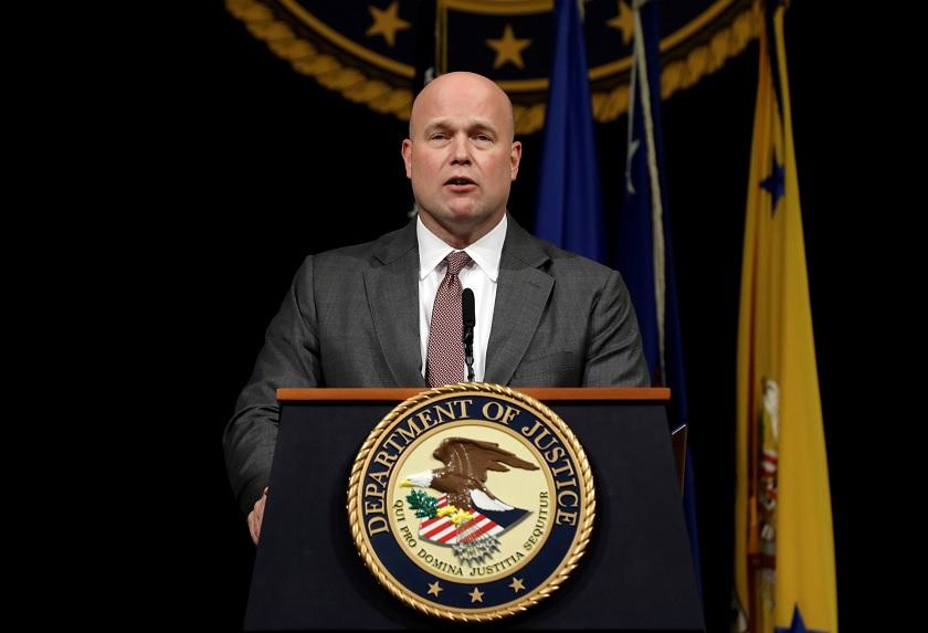 Senadores demócratas desafían nombramiento de Whitaker