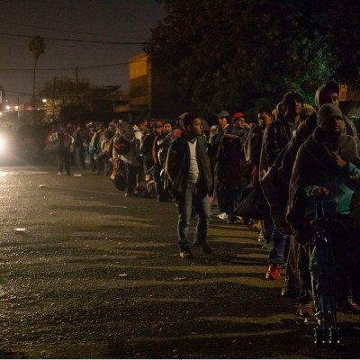 Miembros de caravana migrante salen de GAM rumbo a Chiapas