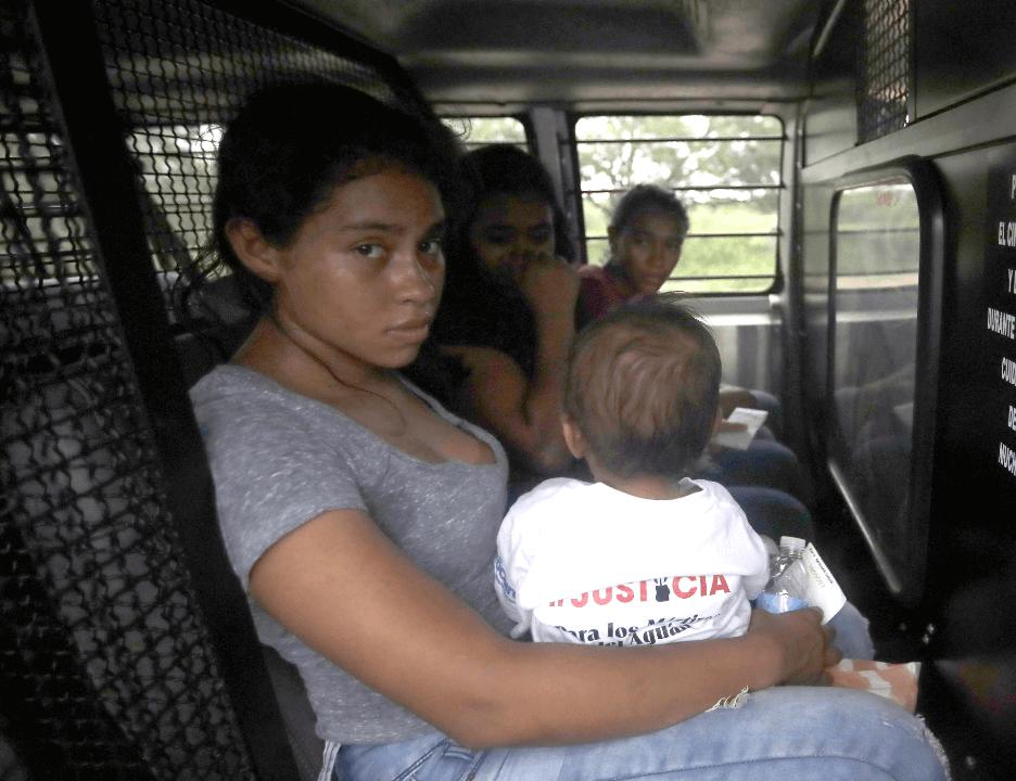 Separación de familias migrantes en EU ha costado 80 mdd