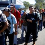 Más de 1,500 migrantes avanzan por Querétaro