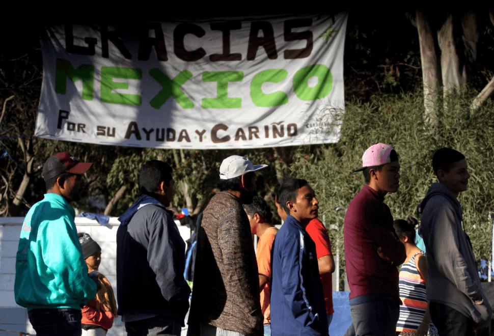 Migrantes centroamericanos buscan entrar a EU. (EFE)