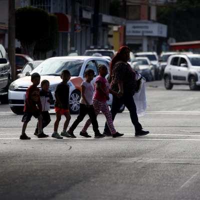 Migrantes de caravanas son tratados con hostilidad en Tijuana