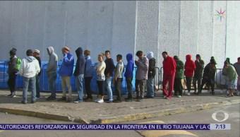 Migrantes en caravana avanzan hacia el norte de México