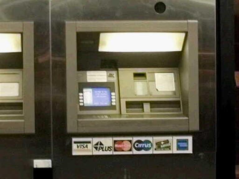 Bancos revisarán cambios propuestos por Morena