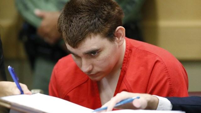 Nikolas Cruz ataca a una guardia en la prisión