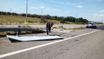 Clima Oaxaca; restringen paso vehículos La Ventosa vientos