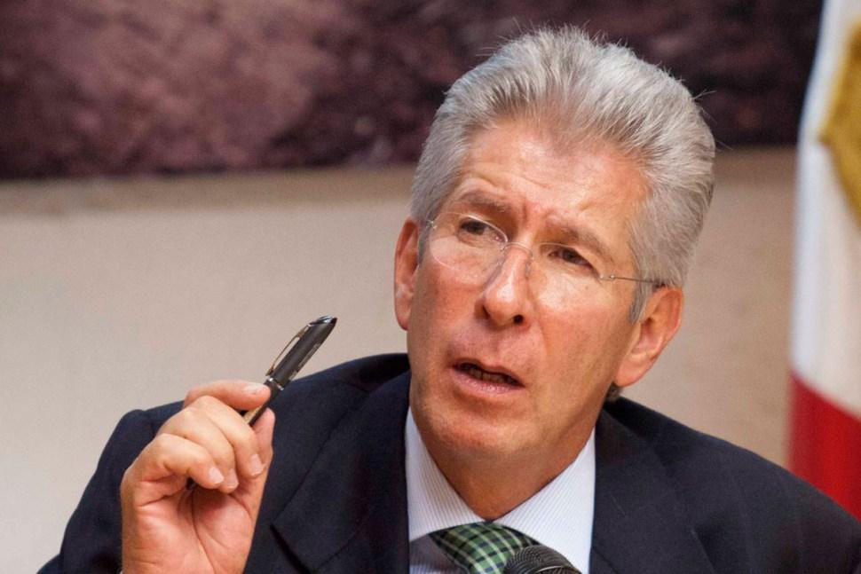 Pese a los diversos escándalos en los que se vio involucrado Gerardo Ruíz Esparza, continúa en el cargo de titular de la SCT hasta la fecha. Es uno de los más protegidos por Peña Nieto (LNN)