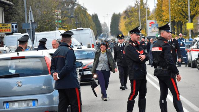 Italia: Detienen a hombre que se atrincheró con rehenes