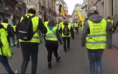'Chalecos amarillos' protestan en Bruselas por 'gasolinazo'