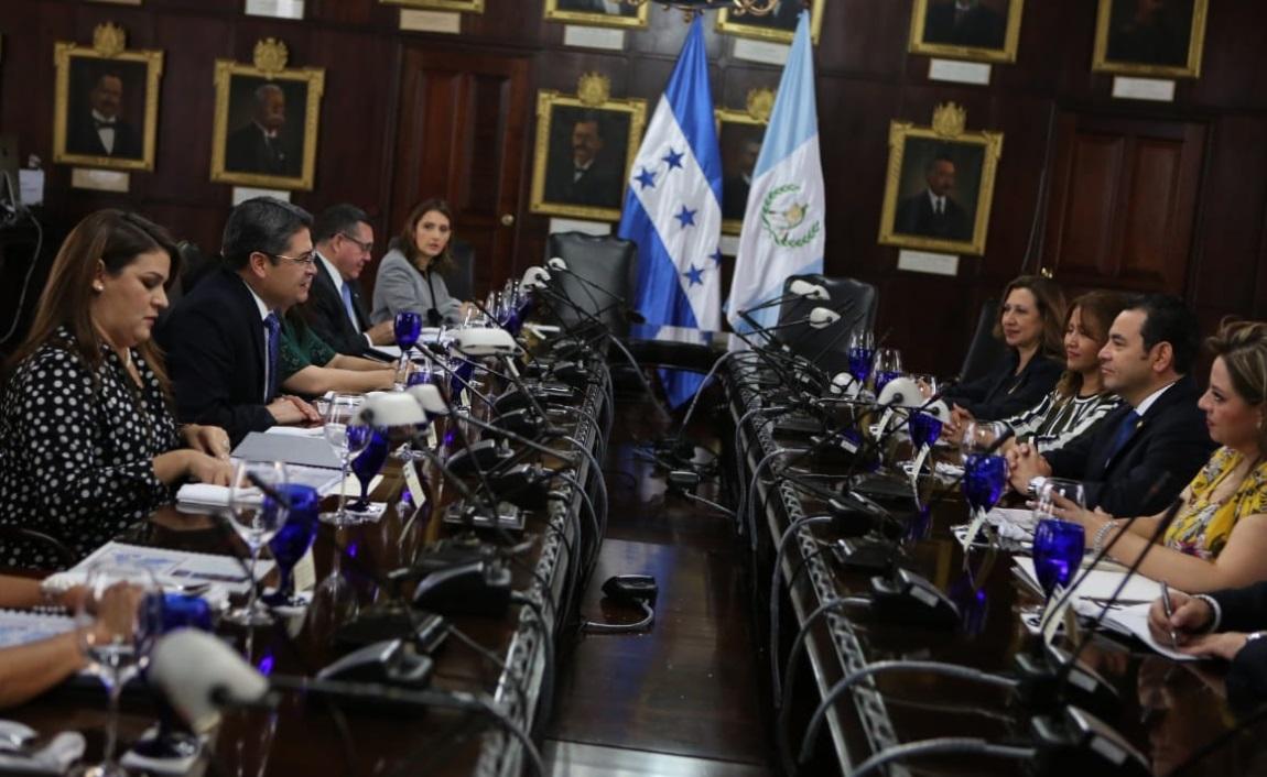 Honduras y Guatemala investigarán responsables de caravanas