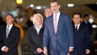Rey Felipe VI llega a México para asistir a la investidura de AMLO