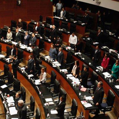 Senadores de Morena respaldan iniciativa contra comisiones bancarias
