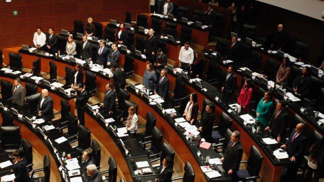 senadores morena iniciativa comisiones bancarias monreal