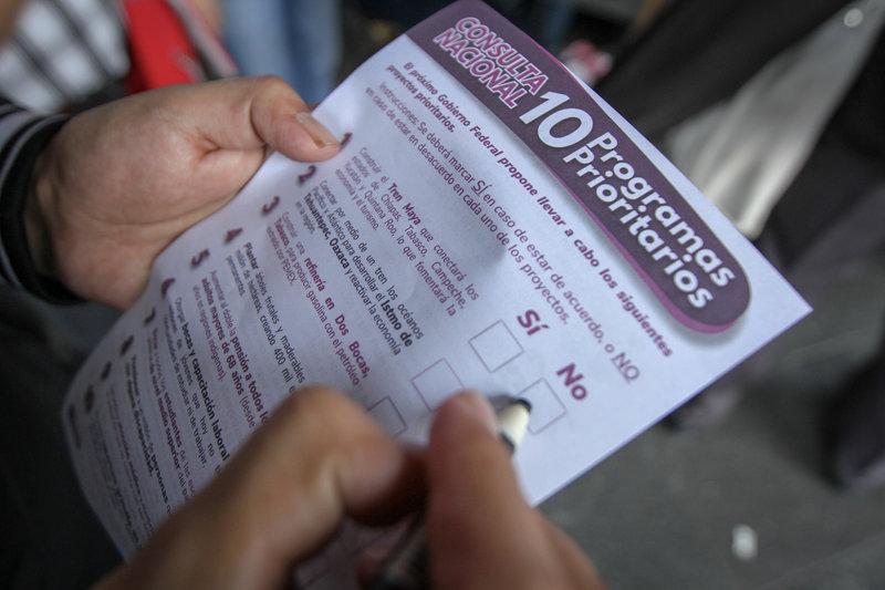 capitalinos participan en primer dia segunda consulta ciudadana