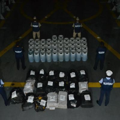 Semar asegura lancha con una tonelada de cocaína en Guerrero