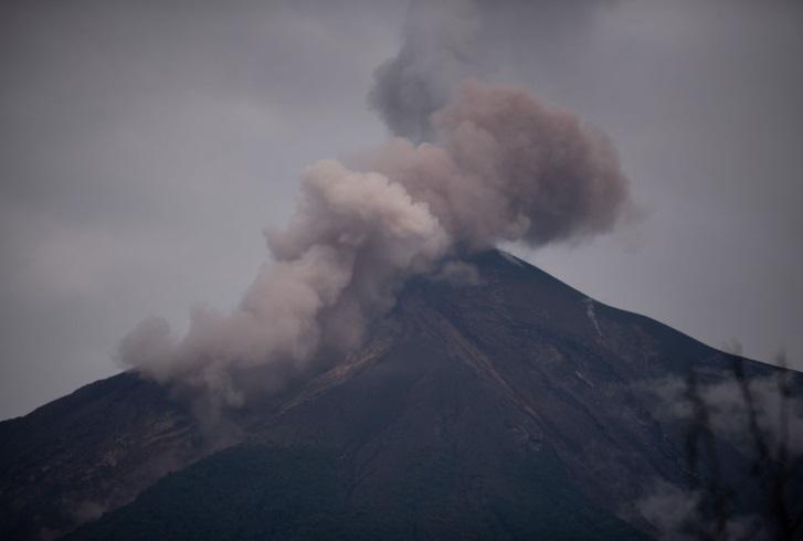 Volcán de Fuego de Guatemala entra su cuarta erupción anual