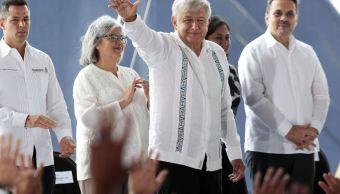 AMLO presenta plan para recuperación de la industria petrolera en Campeche