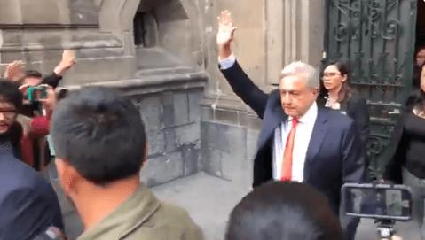AMLO camina de Palacio Nacional a SCJN para informe de labores del Poder Judicial