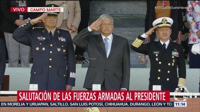 AMLO encabeza salutación a las Fuerzas Armadas en Campo Marte