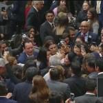 AMLO se despide del Congreso de la Unión y sale del Palacio Legislativo