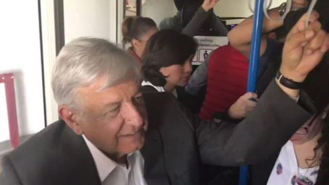 VIDEO: Primer vuelo comercial de AMLO como presidente