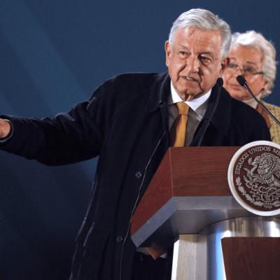 AMLO presenta plan para combatir robo de hidrocarburos en Pemex