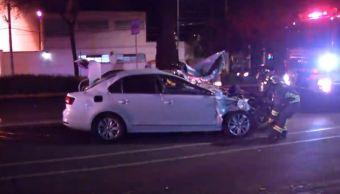Automóvil choca contra microbús en colonia Narvarte